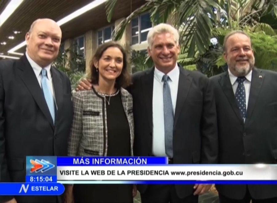 La ministra Reyes Maroto y los empresarios españoles que participan en FitCuba 2019 fueron recibidos en el Palacio de la Revolución de La Habana por el presidente Miguel Díaz-Canel Bermúdez.