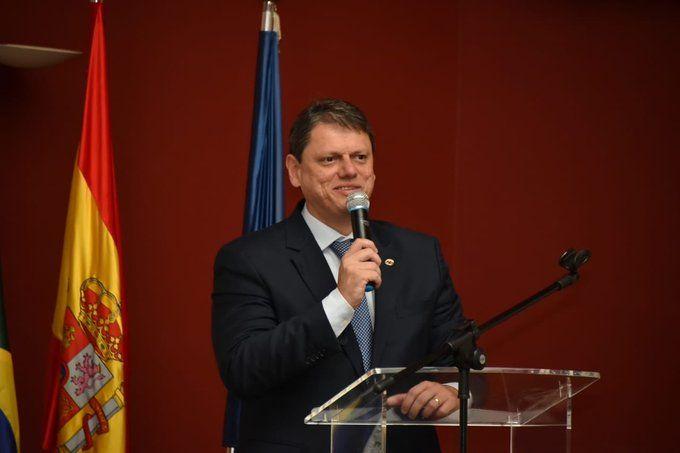 Ministro Tarciso de Freitas en el encuentro con el sector empresarial español.