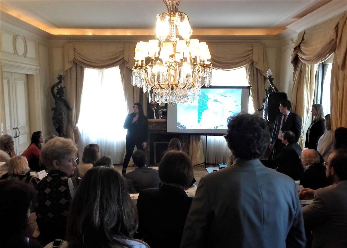 La residencia de la embajada argentina en Montevideo vuelve a ser escenario de una presentación turística.