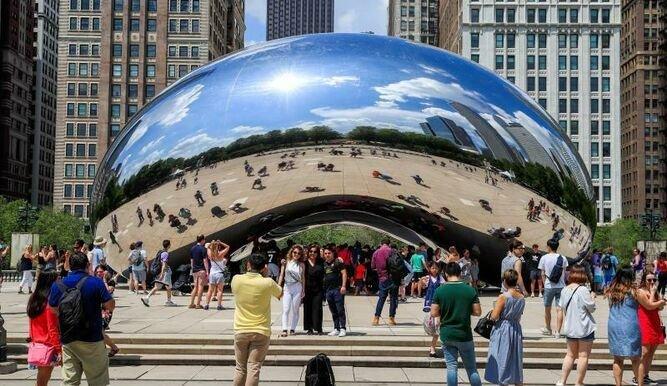 La escultura es uno de los íconos de la ciudad y sitio obligado para los turistas