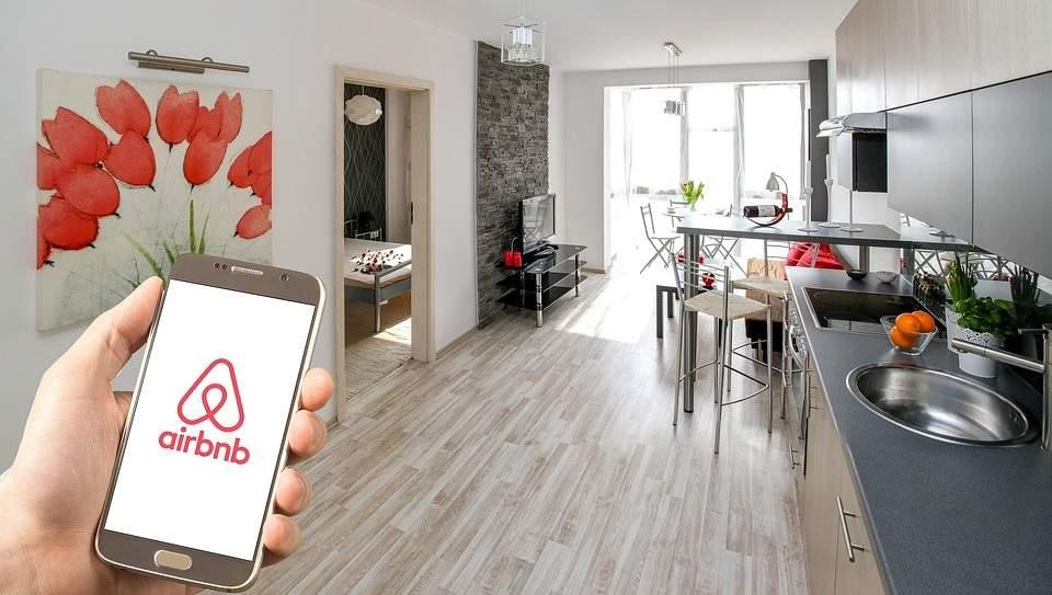 La compañía de alquiler turístico Airbnb saldrá a Bolsa en 2020