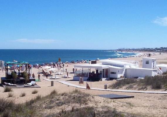 Playa Bikini, en Punta del Este. Foto: Casas en el Este
