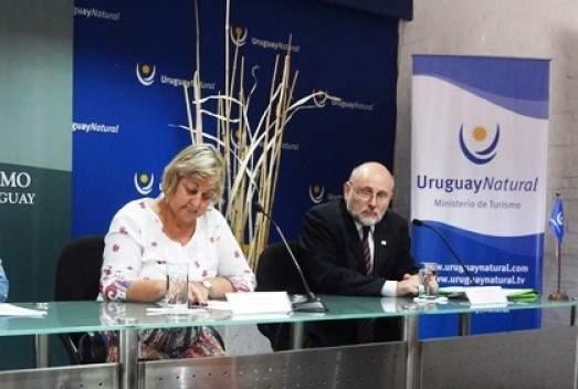 Ministra Liliam Kechichian y Juan Martínez