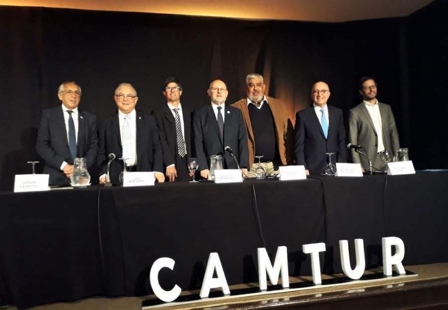 Referentes políticos en turismo reunidos por la Cámara Uruguaya de Turismo