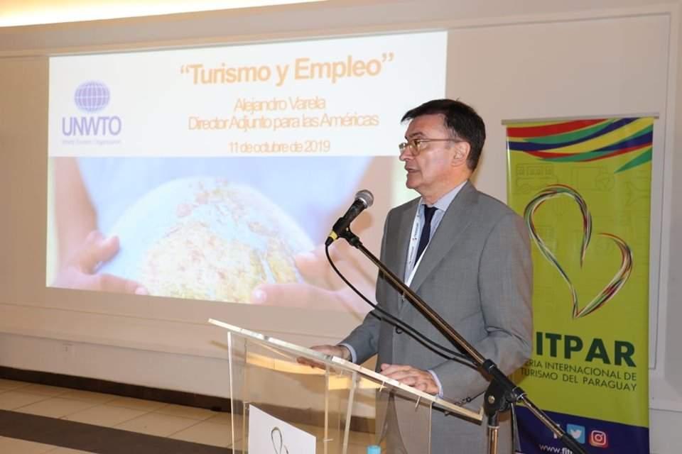 Alejandro Varela dio una charla sobre turismo y empleo en el marco de la FITPAR