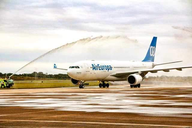 Air Europa en su vuelo inaugural a Puerto Iguazú
