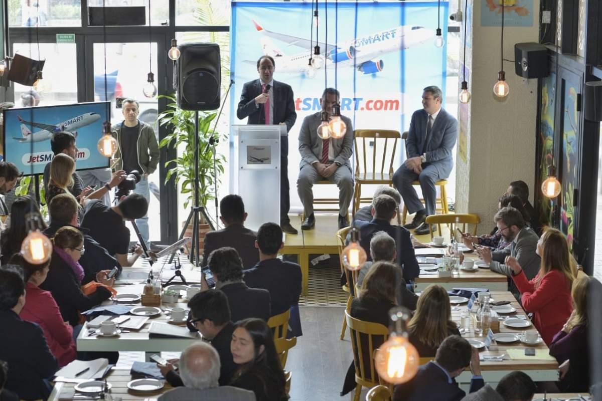 Lanzamiento de JetSmart en Colombia, ampliando su red regional