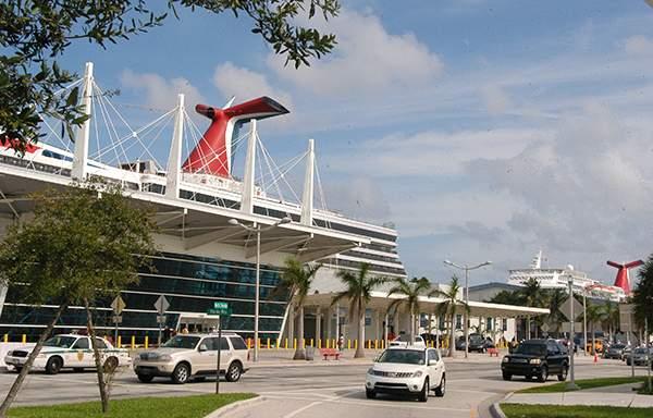 En el puerto de Miami estudian los mejores horarios para que circule el tren