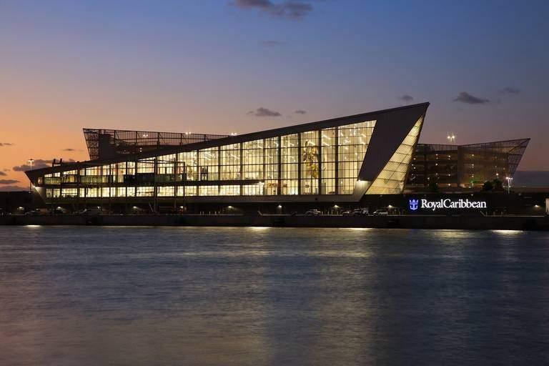 Nueva terminal de Royal Caribbean en el puerto de Miami.
