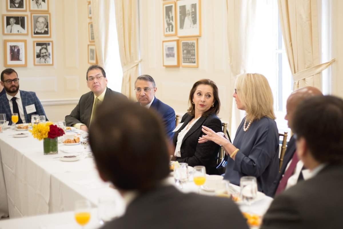 La ministra ecuatoriana en las oficinas del Consejo de las Américas en Nueva York