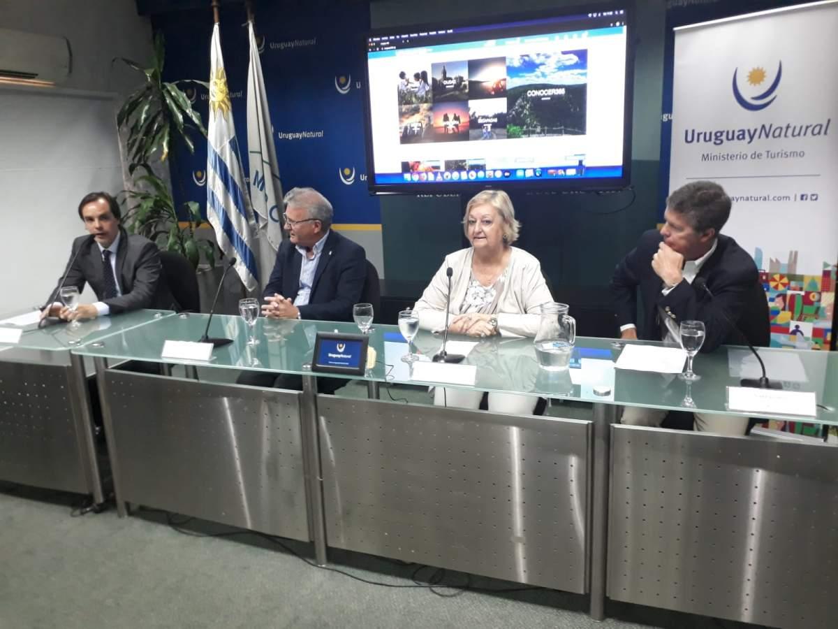 Andrés Gil de 5M Travel Group, Carlos Fagetti y Liliam Kechichian del Ministerio de Turismo y Jean Paul Beer de 5M