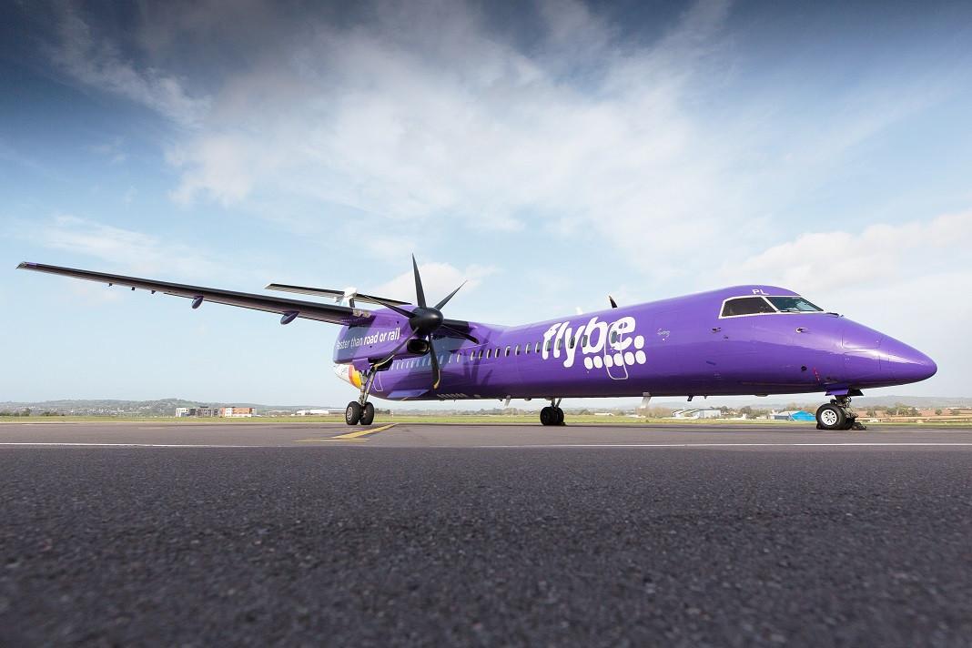 Polémica en Reino Unido por rescate gubernamental a aerolínea Flybe