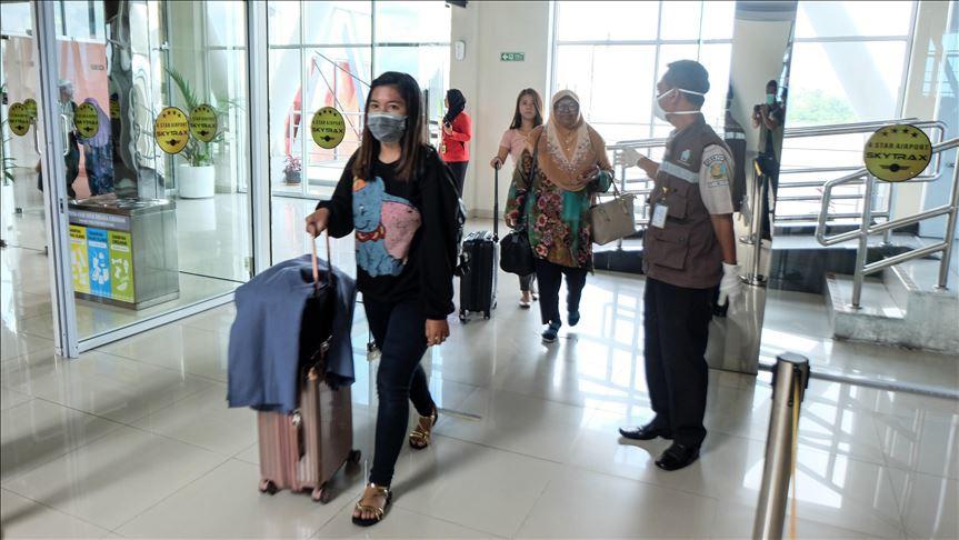 Aeropuertos en todo el mundo controlan a los viajeros por la epidemia. Foto: Agencia Anadolu