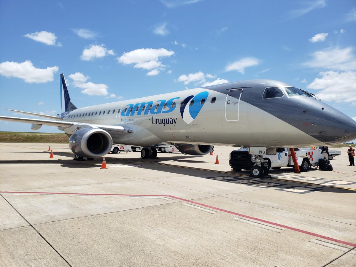Amaszonas Uruguay presentó su nuevo Embraer 190