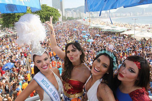 De fiesta en Copacabana, clásico de Rio. Foto: Copacabana.com