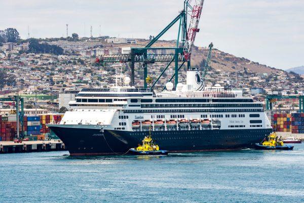 Varios cruceros fueron sorprendidos por la medida del gobierno de Chile que entró en vigencia de inmediato