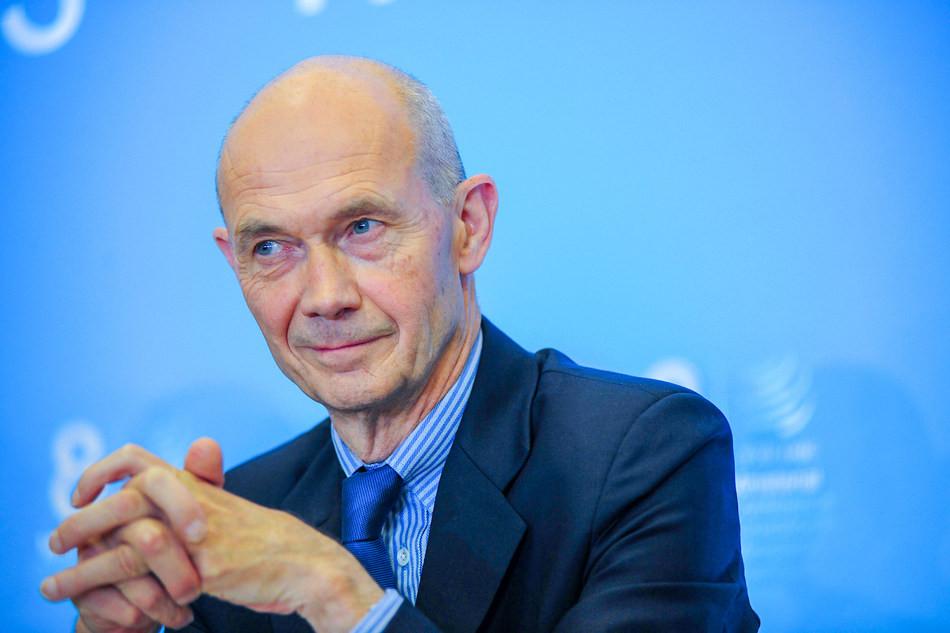 Pascal Lamy, del Comité de Ética de la OMT.
