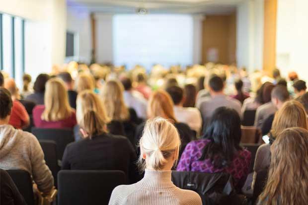 Autorizan eventos con hasta 75 personas para reabrir el sector MICE