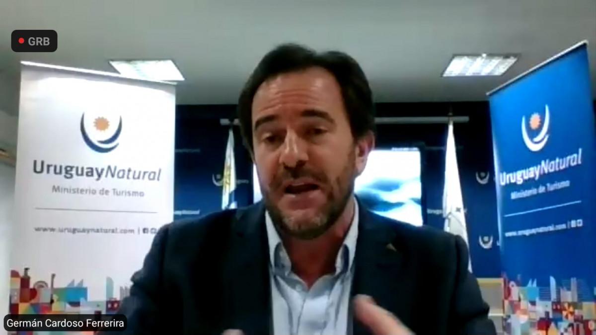 Ministro Germán Cardoso en una entrevista vía Zoom con estudiantes de turismo