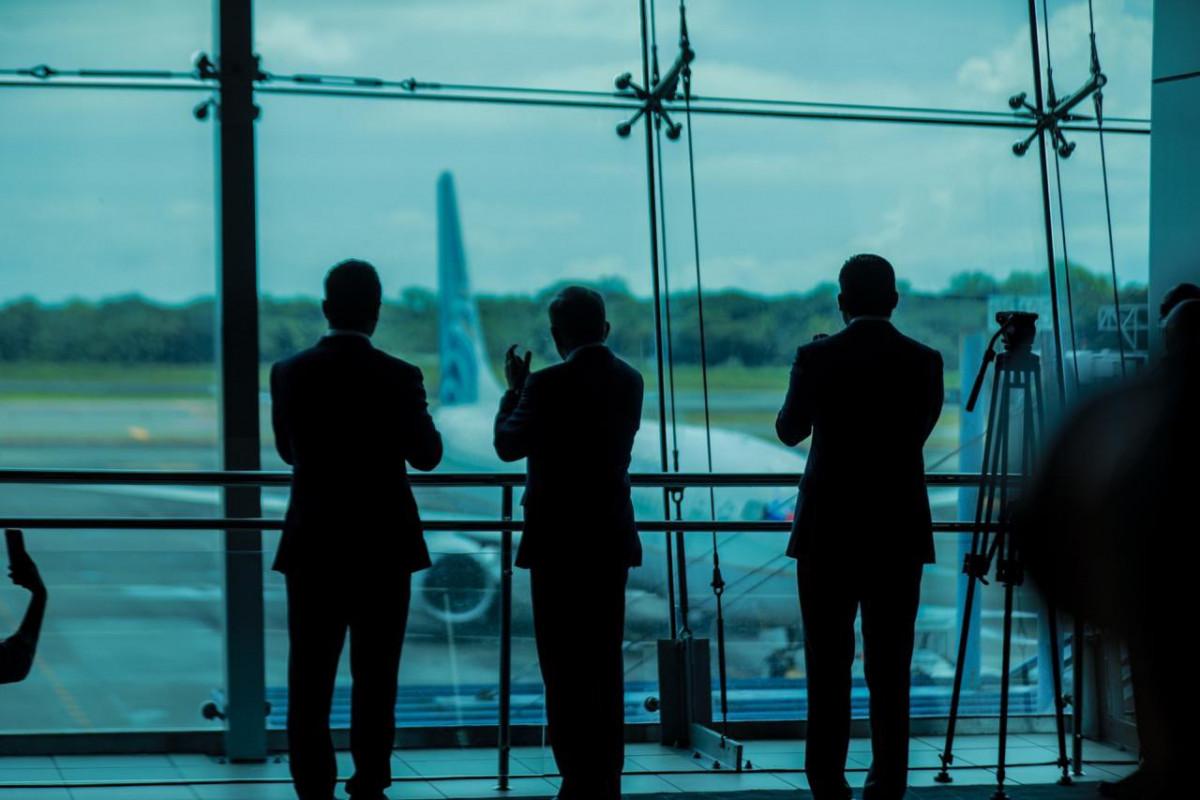 El presidente Nito Cortizo en el Aeropuerto Tocumen.