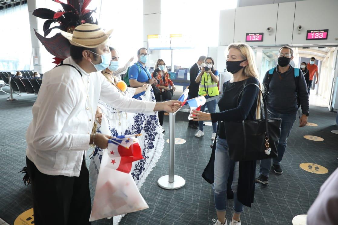 Comenzaron a llegar viajeros internacionales a Panamá este lunes 12 de octubre