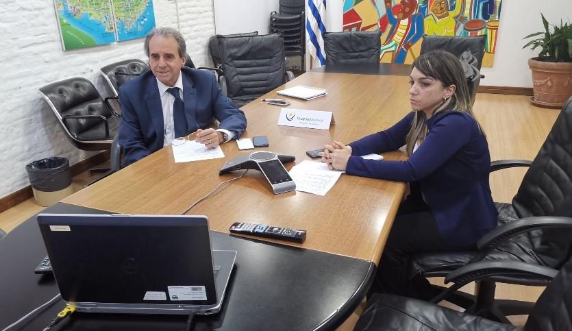 Subsecretario Remo Monzeglio y Mónica Lozano