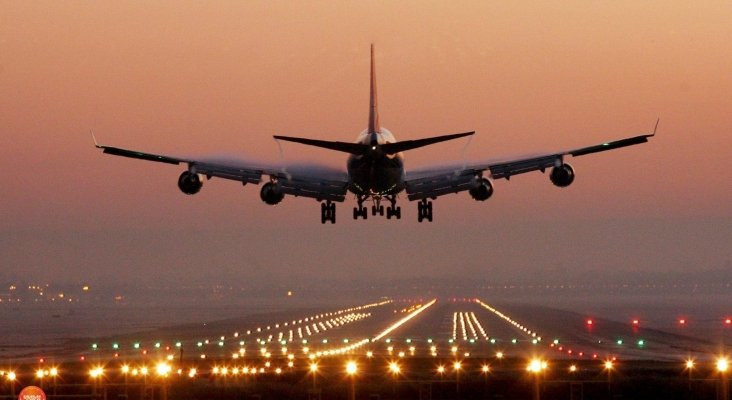 Aerolíneas reavivan sus reclamos de reabrir fronteras aéreas sin cuarentena