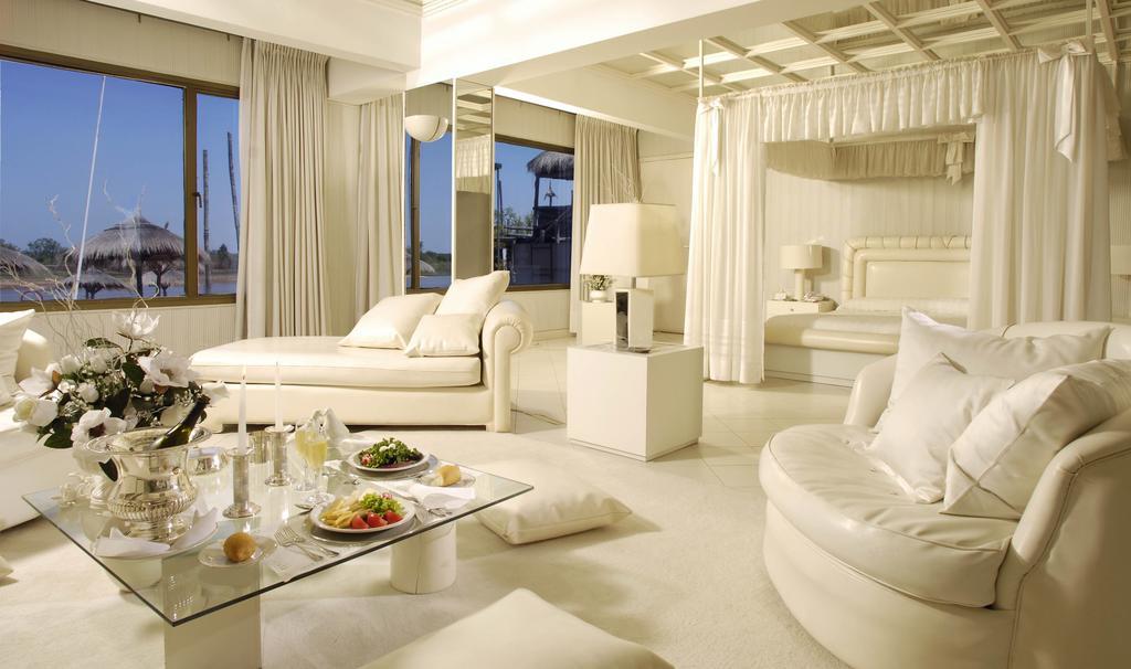 El complejo tiene 130 habitaciones recientemente remodeladas.