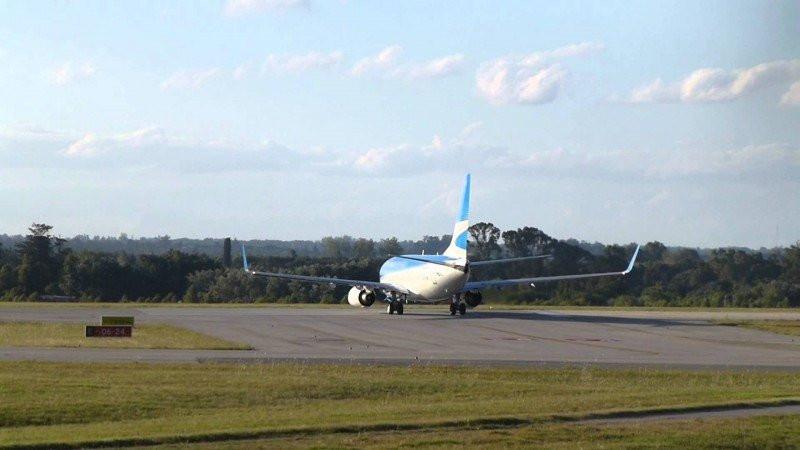 Aerolíneas Argentinas pone pausa en su operación Ezeiza-Carrasco