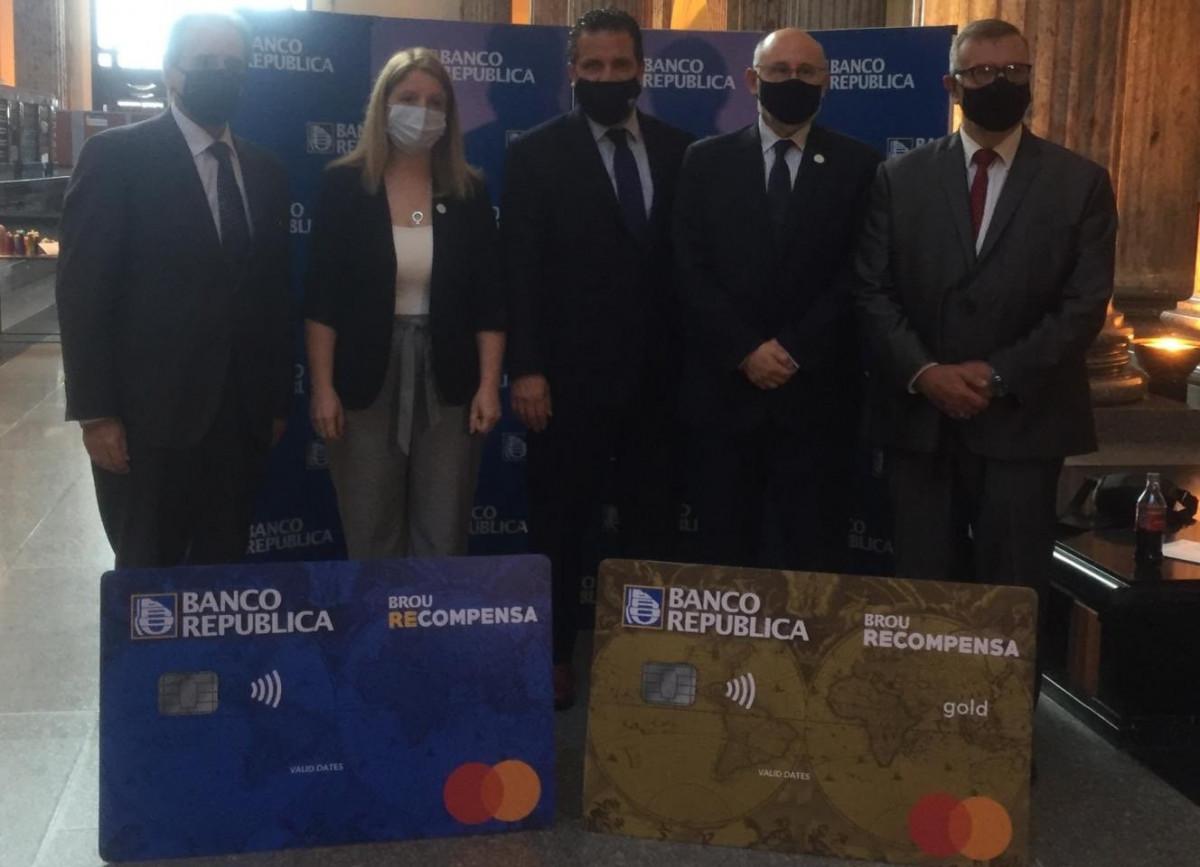 Lanzaron una nueva tarjeta con descuentos respaldada por el Banco República