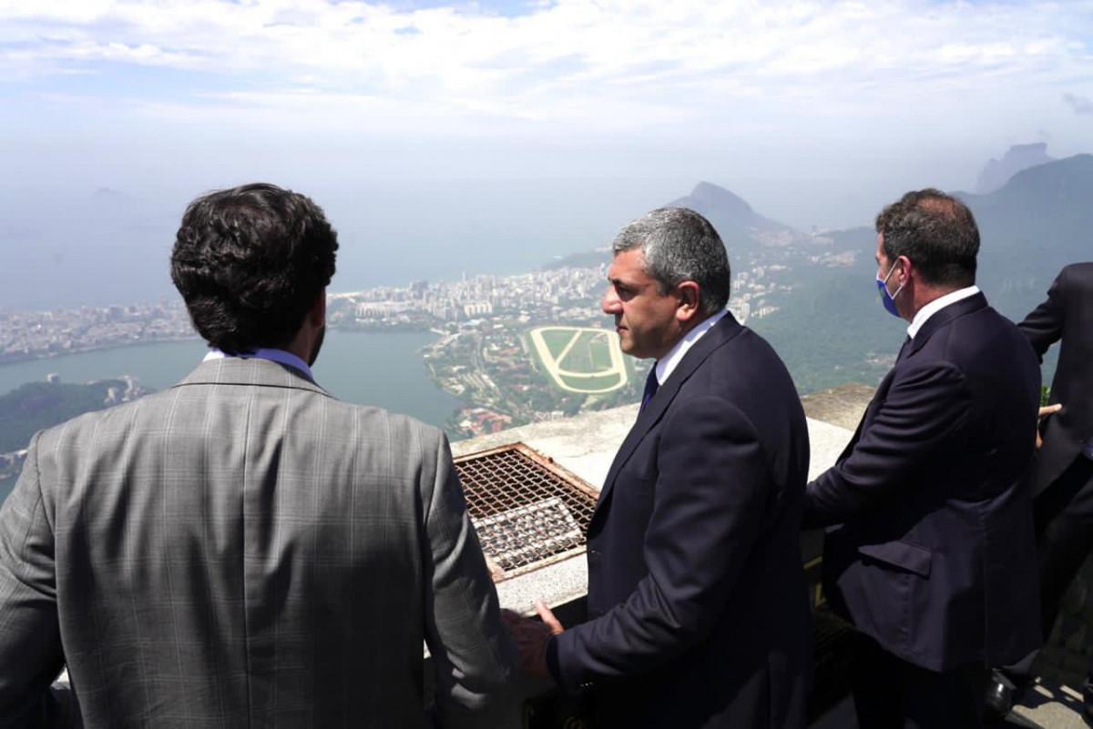 Secretario general de la OMT en Rio de Janeiro.