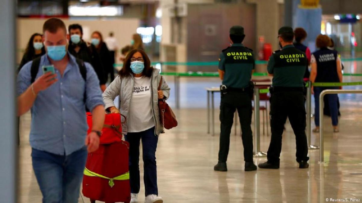 Nueva lista de países con exigencia de PCR negativa para entrar en España    Transportes