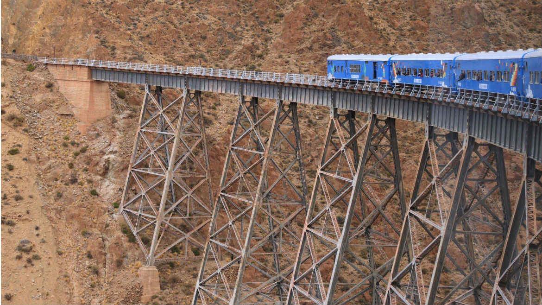 El Tren a las Nubes en el Viaducto La Polvorilla.