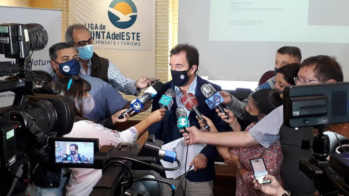 Ministro de Turismo, Germán Cardoso, en la Liga de Fomento de Punta del Este.