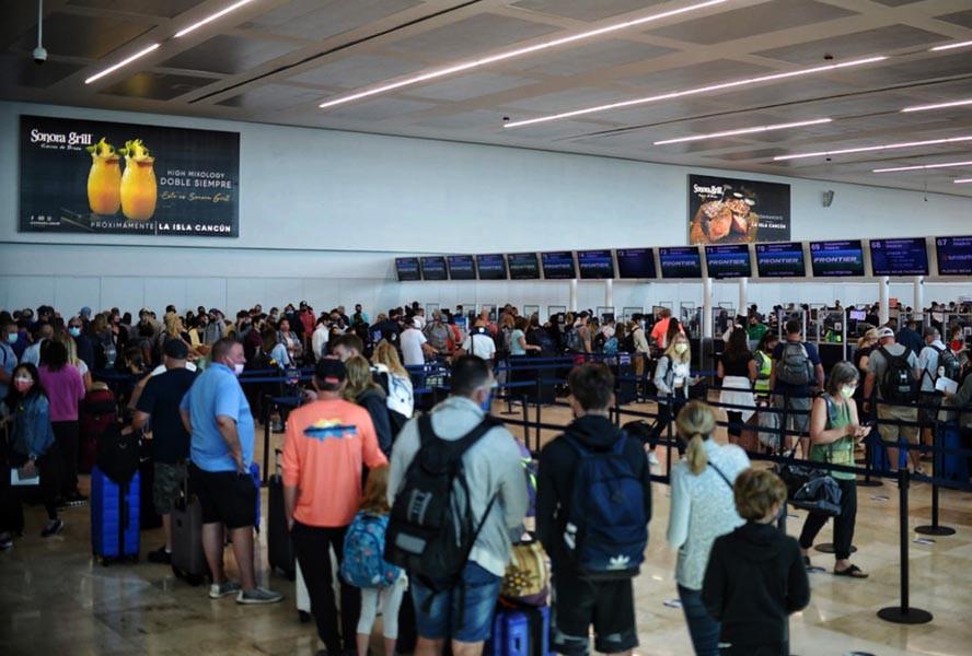 Aeropuerto de Cancún. Foto: @GaluCancun