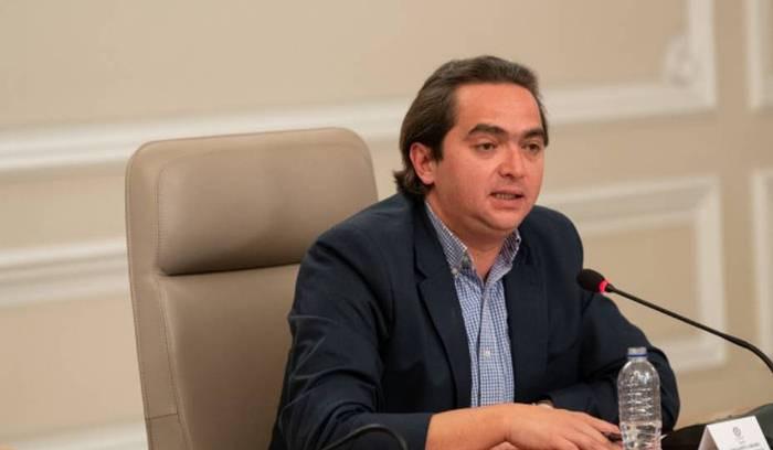 Juan Alberto Londoño asume la cartera de Comercio, Industria y Turismo de Colombia.