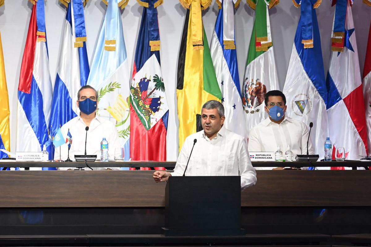 El secretario general de la OMT en la reunión de Punta Cana.