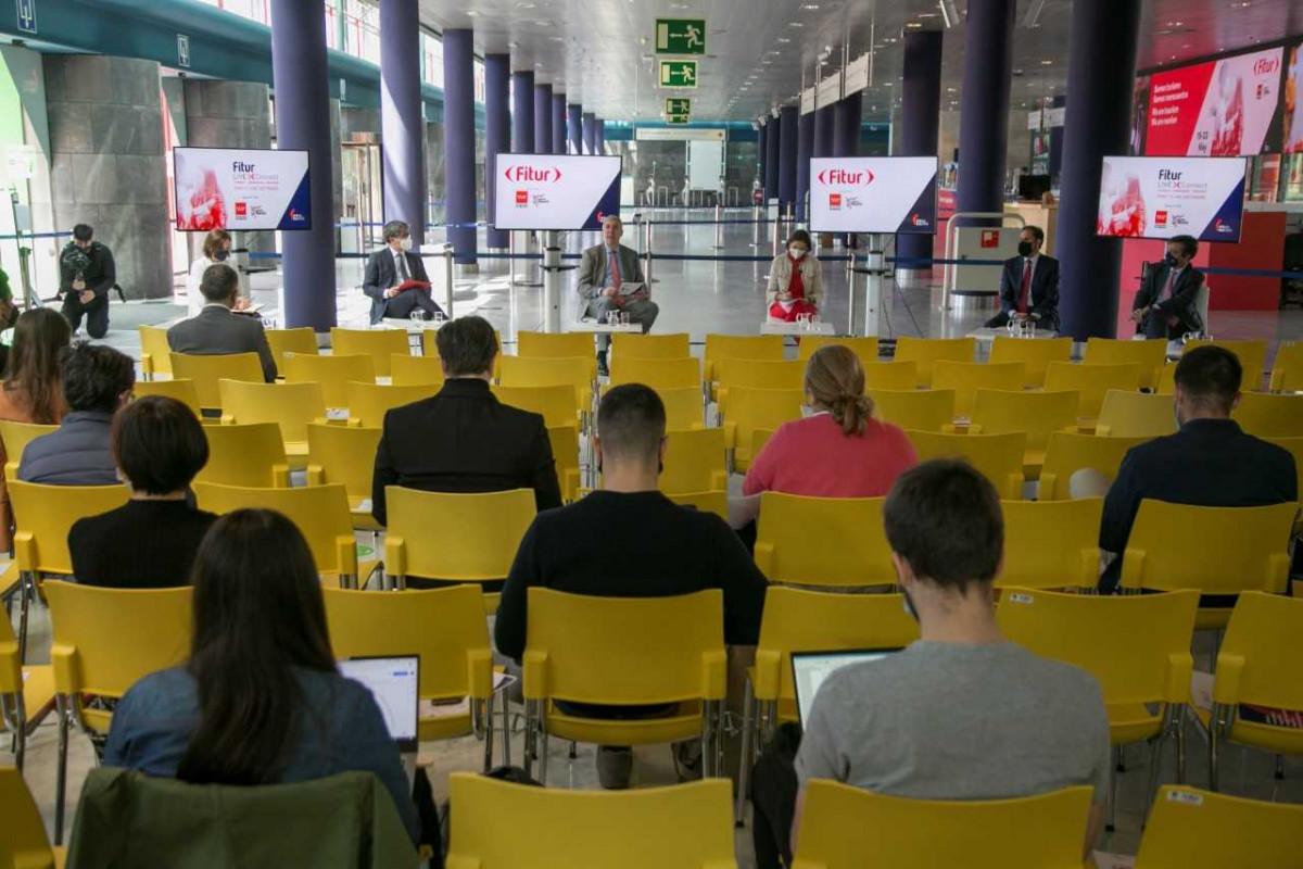 Autoridades en la presentación de FITUR este jueves 13 en Madrid.