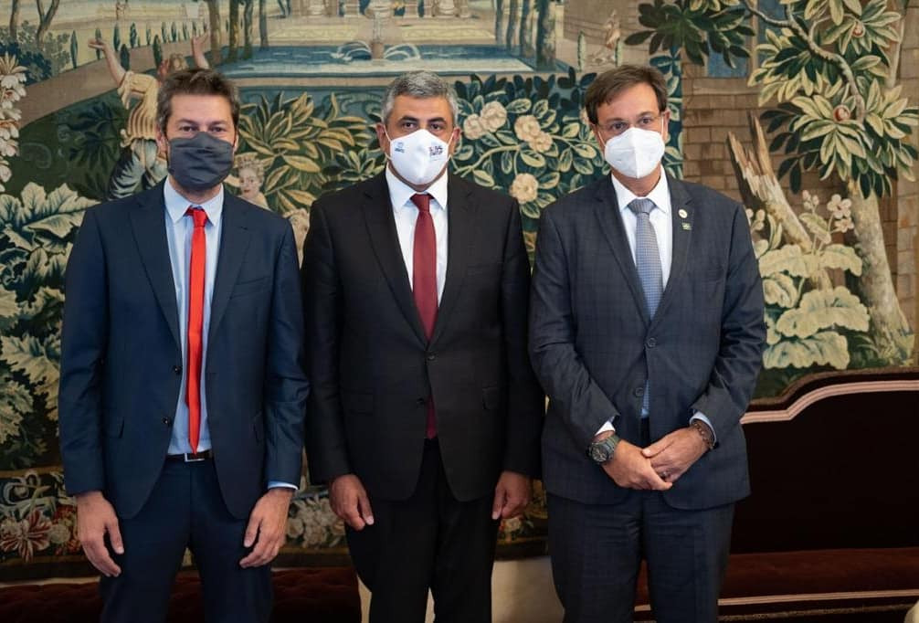 Matías Lammens, Zurab Pololikashvili y Gilson Machado Neto en Madrid.