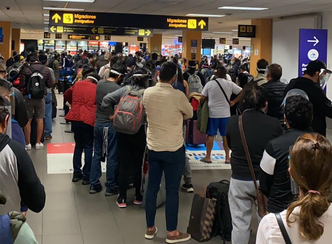 Proceso de preembarque en el aeropuerto Jorge Chavez de Lima. Foto: