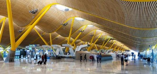 Aeropuerto de Madrid Barajas, puerta de entrada a España para los latinoamericanos