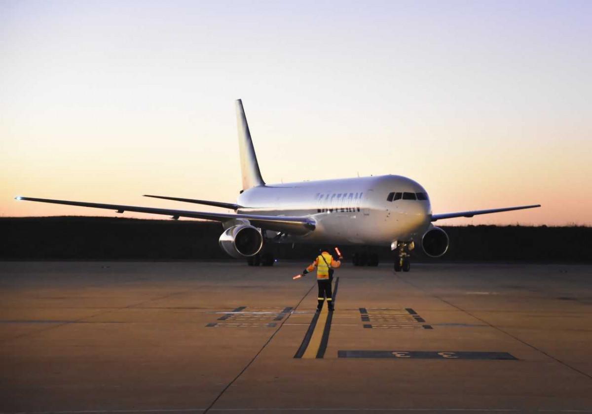Arribo del primer vuelo de Eastern Airlines a Montevideo. Fotos: @sanantoniostudio