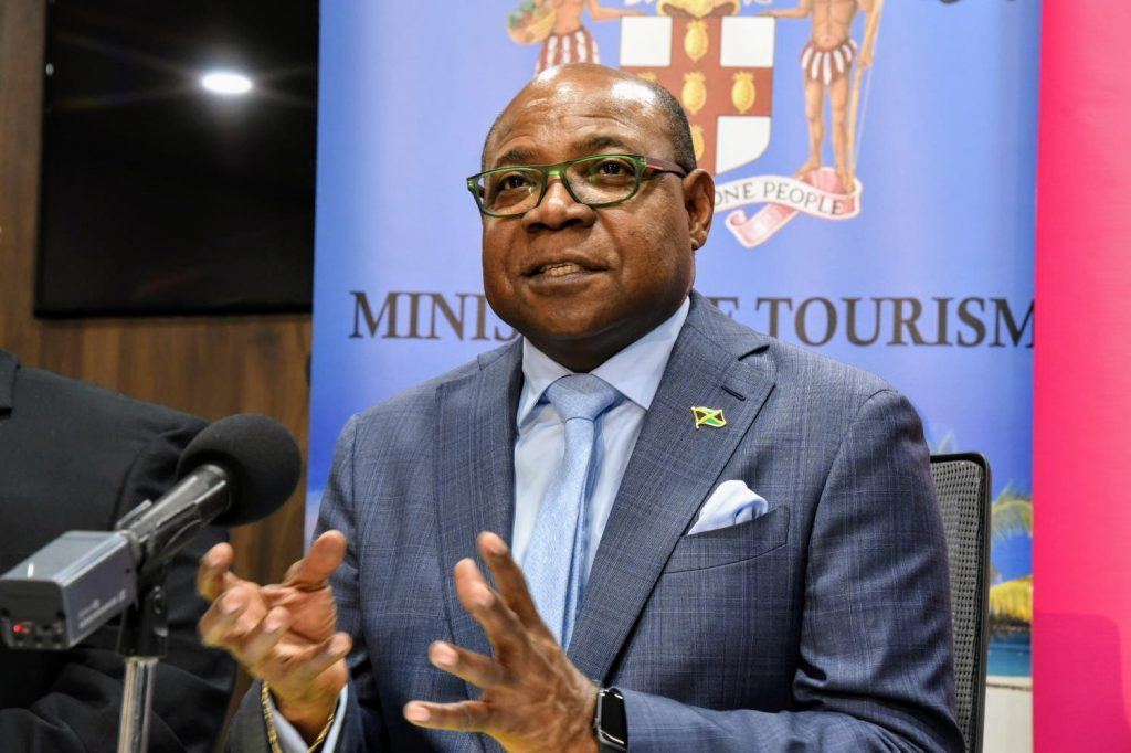 Edmund Bartlett, ministro de Turismo de Jamaica.