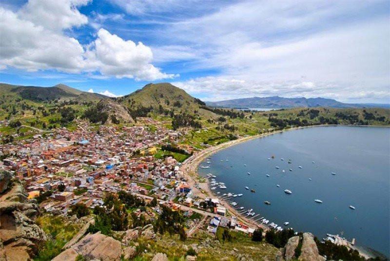 Playa de Copacabana, sobre el lago Titicaca.