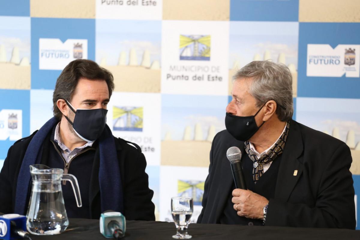Ministro Germán Cardoso e intendente de Maldonado, Enrique Antía. Foto: Intendencia de Maldonado.
