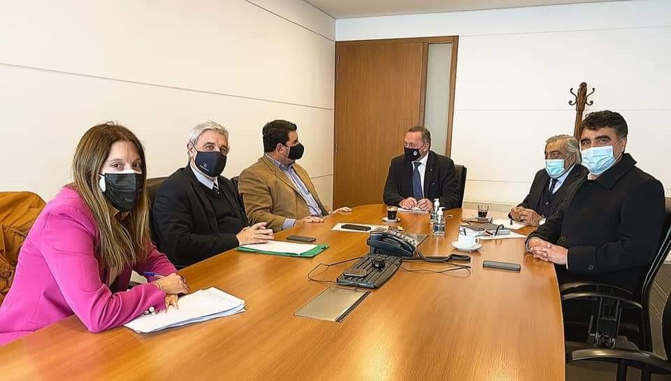 Intendentes de Río Negro, Paysandú y Salto con el secretario de Presidencia, Álvaro Delgado.