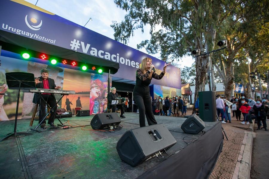 El Ministerio de Turismo y los gobiernos locales promueven el turismo interno en la Expo Prado. Foto: @IntColonia