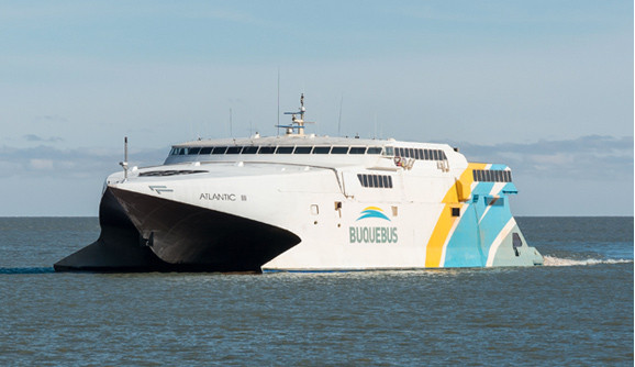 Barco Atlantic III de Buquebus