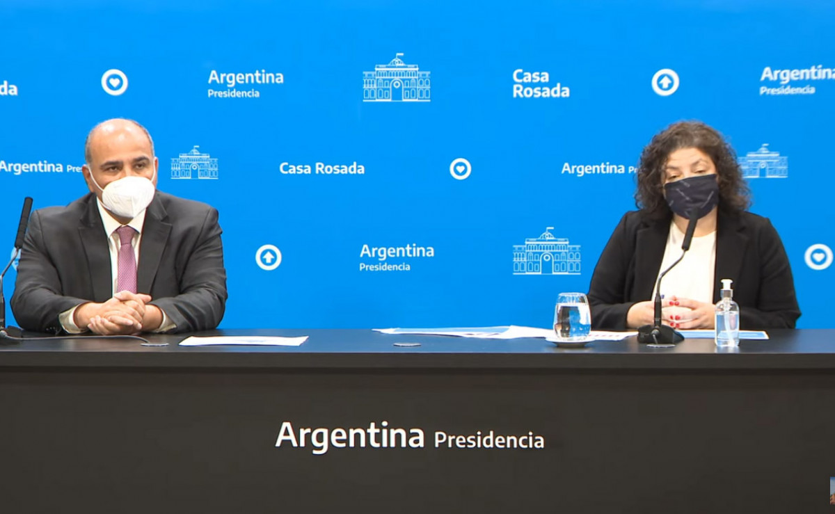 Jefe de Gabinete Juan Manzur y ministra de Salud, Carla Vizzotti, en conferencia de prensa este martes.