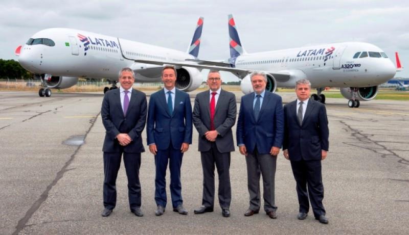 Grupo LATAM Airlines recibe el primer Airbus A320neo en el continente americano